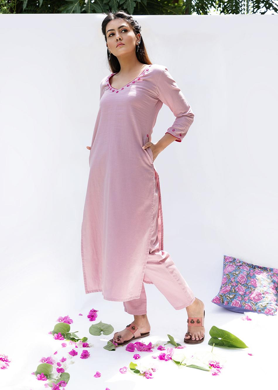 Gulabi Straight kurta and pants (set of 2) By Jovi Fashion