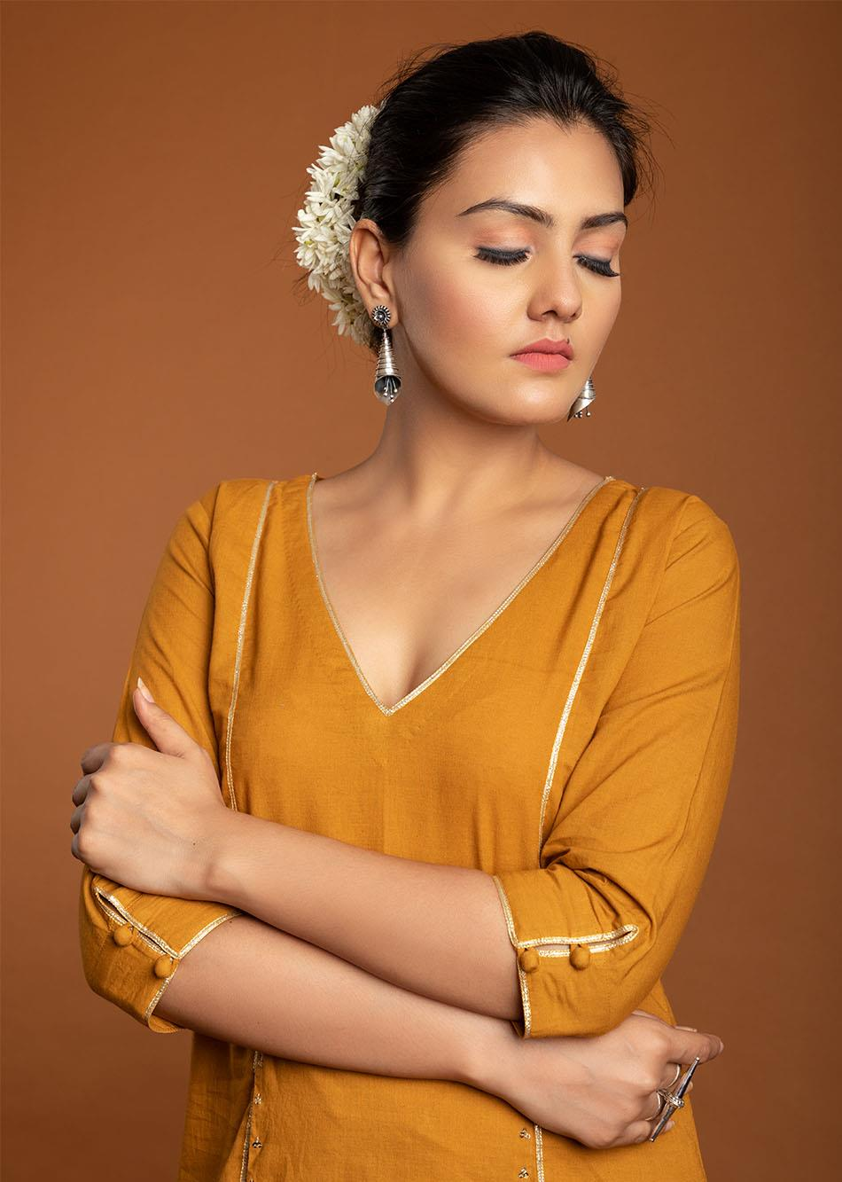Sunhera kurta By Jovi Fashion