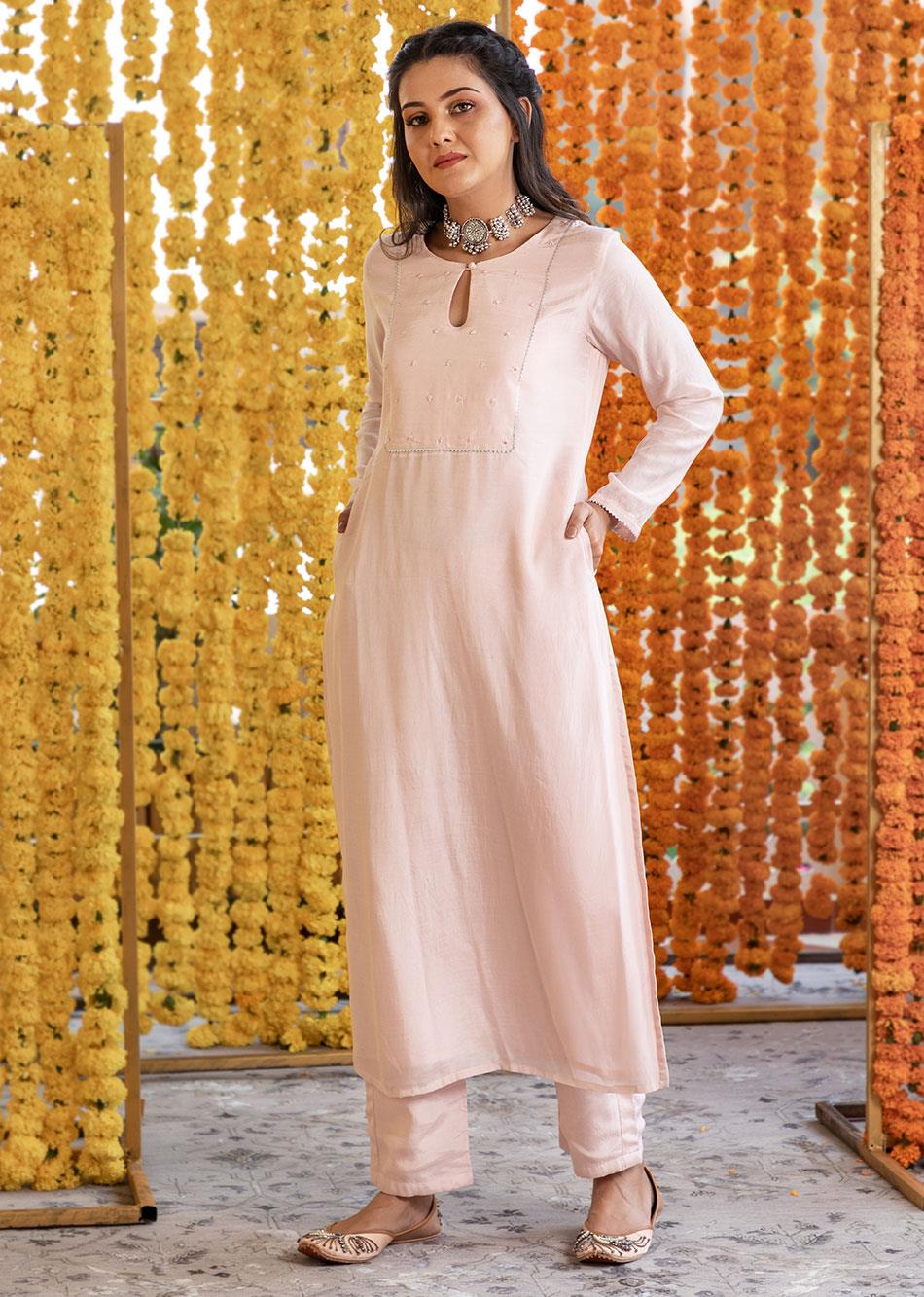 SILK KEY HOLE KURTA AND STRAIGHT PANTS( SET OF 3) By Jovi Fashion