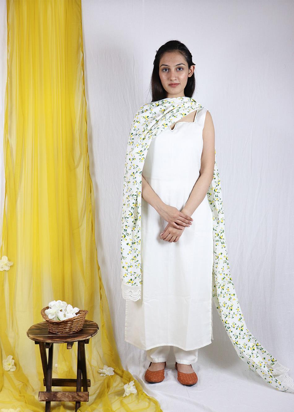 Basantah White Kurta and Pant set (Set of 3) By Jovi Fashion