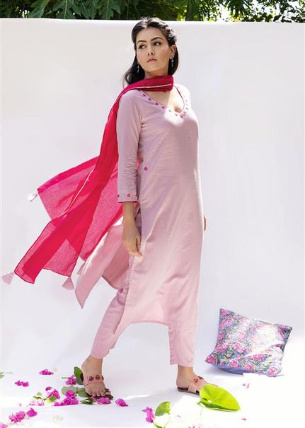 Gulabi Straight kurta and pants (set of 3)