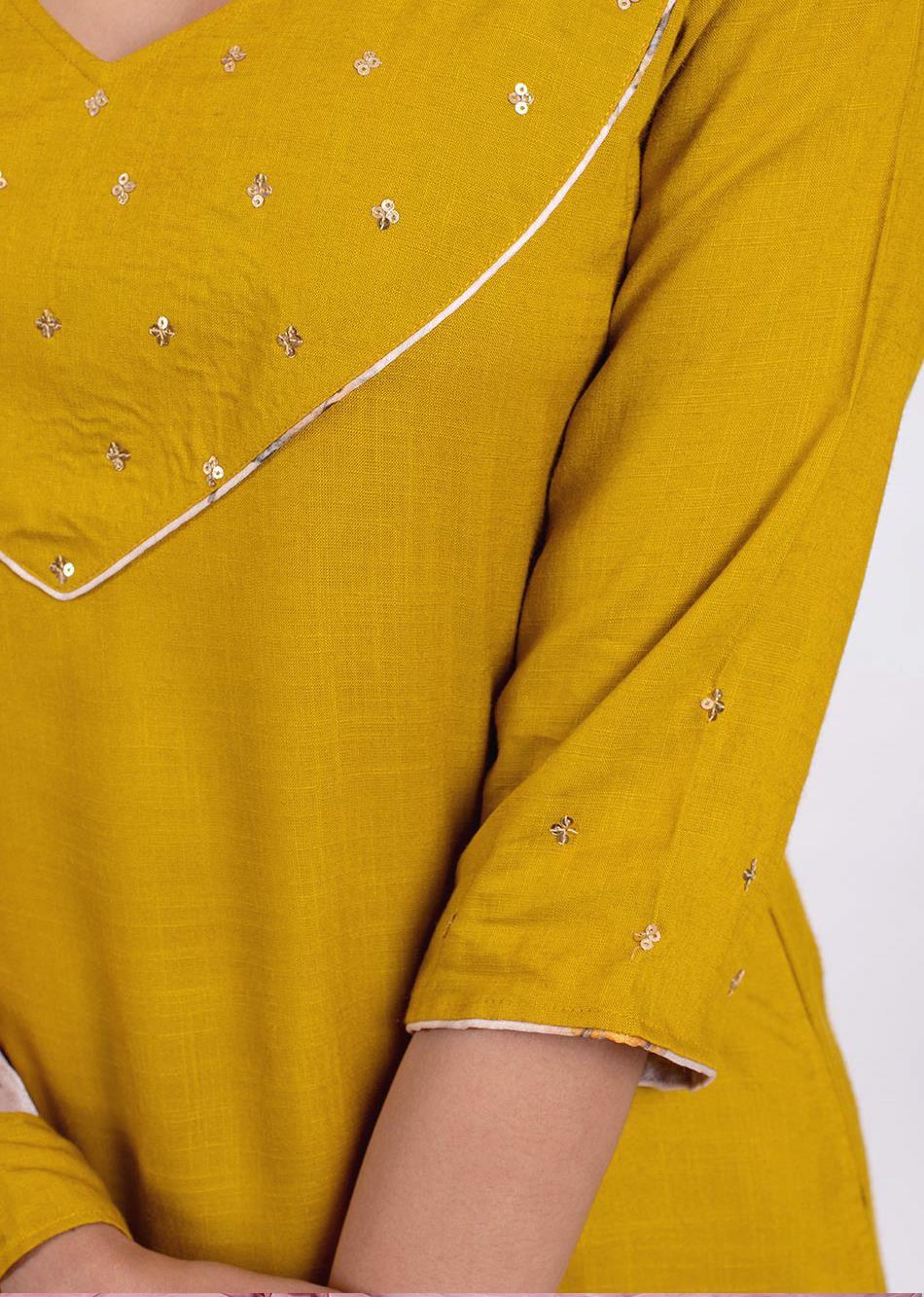 All Glittery kurta pant set By Jovi Fashion
