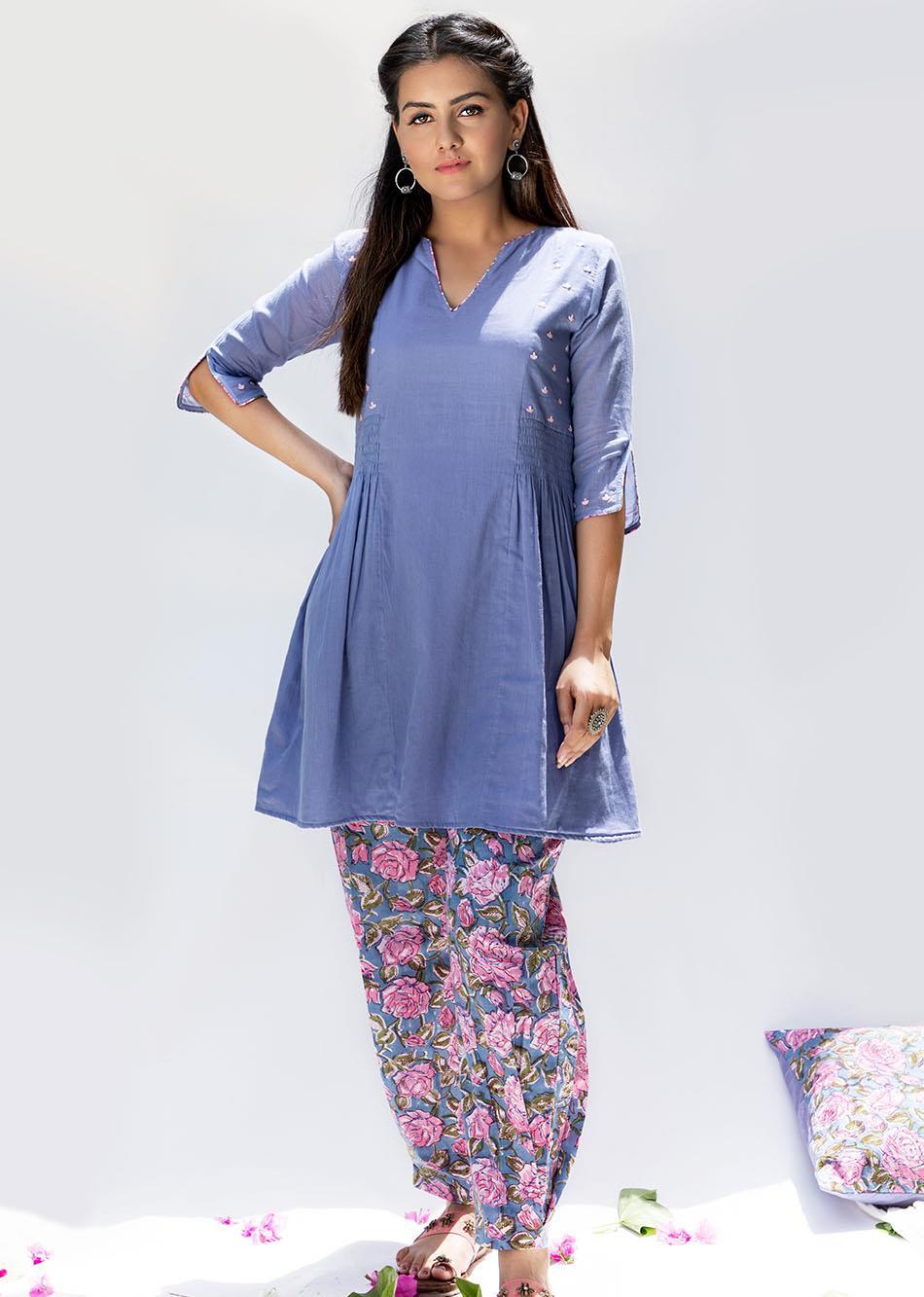 Baiguni Short kurti and pants (set of 2)
