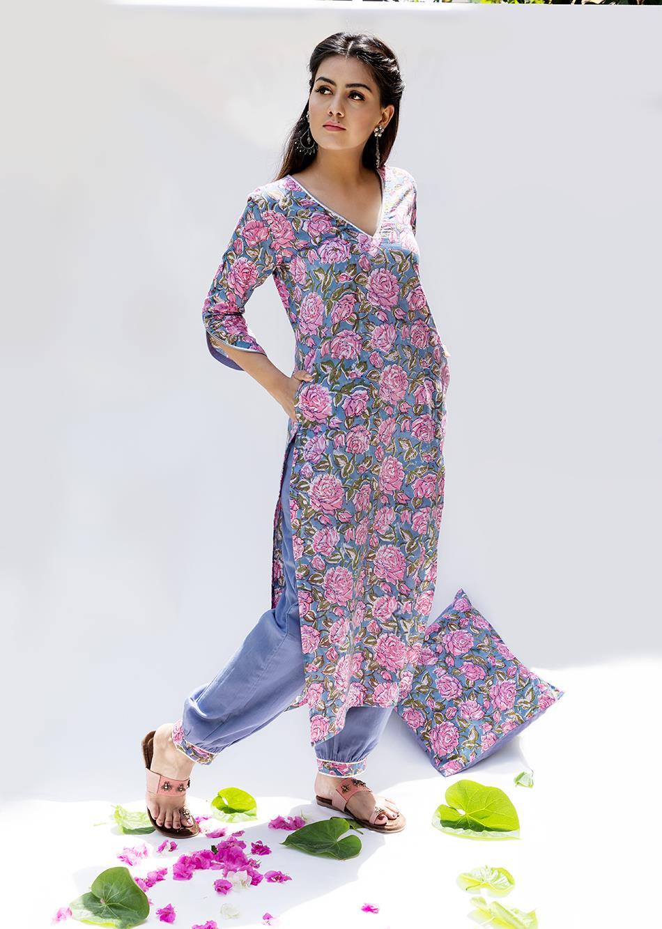 Baiguni- Loose kurta with pants (set of 2)