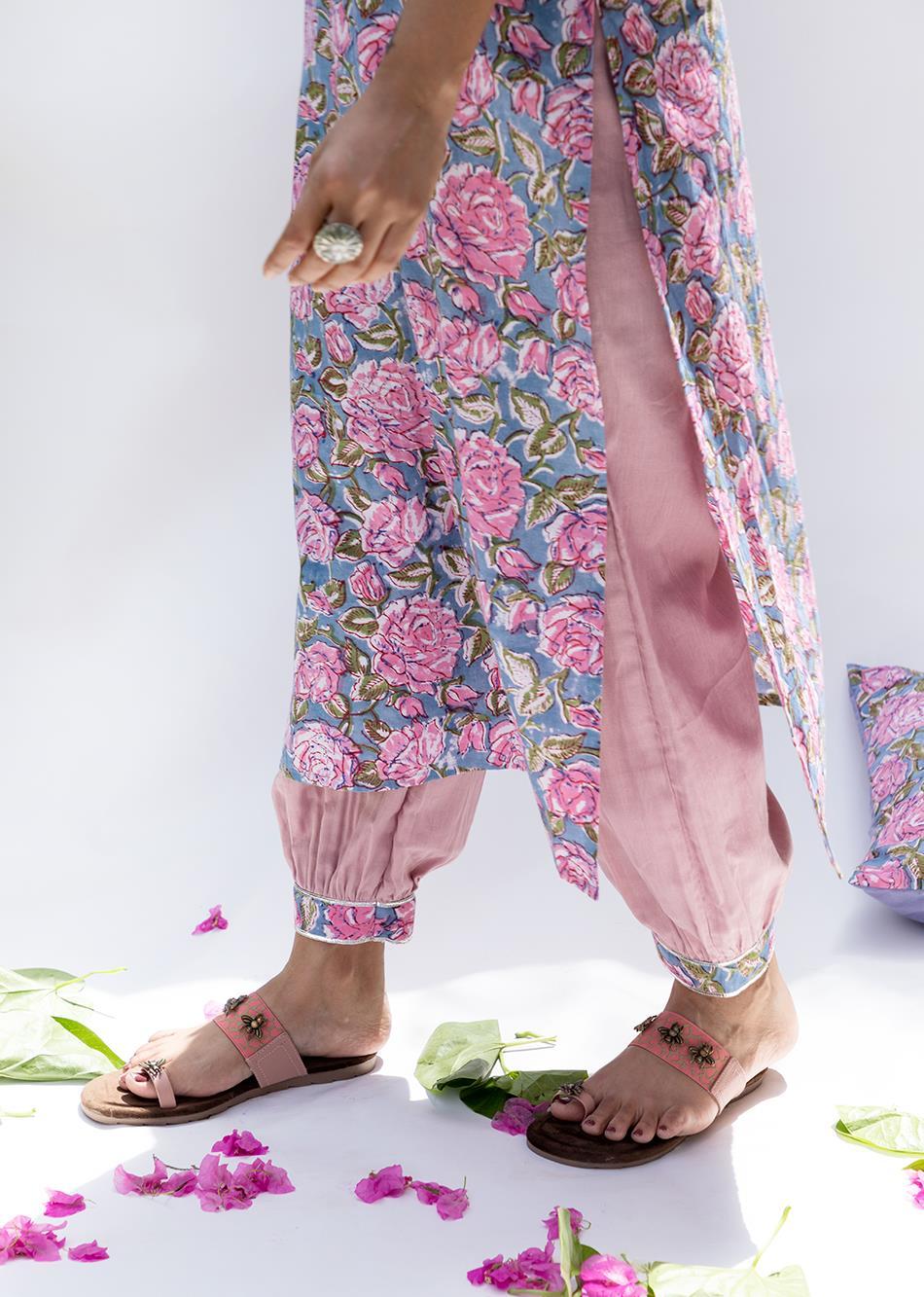 Baiguni- Loose kurta with gathered pant (set of 2) By Jovi Fashion