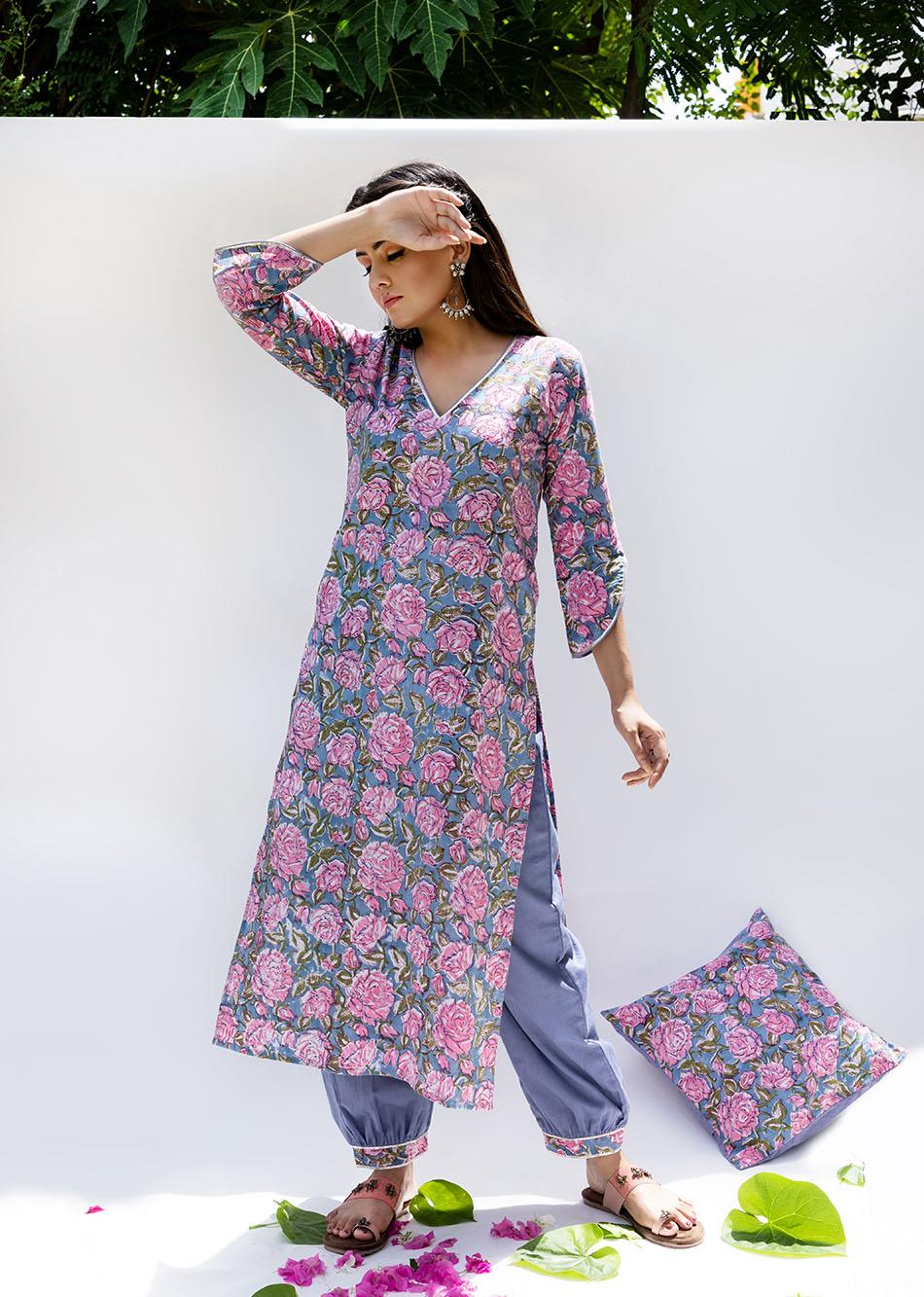 Baiguni- Loose kurta with pants (set of 3) By Jovi Fashion