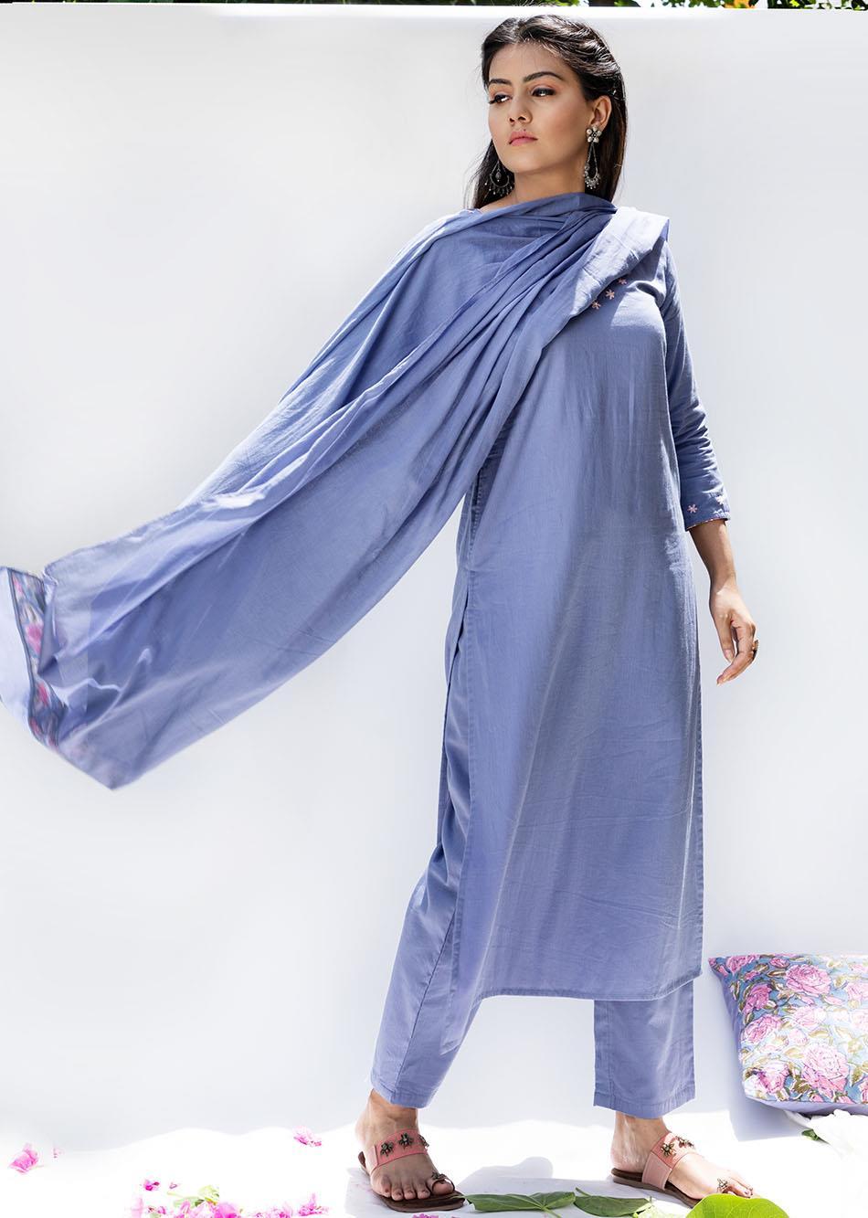 Baiguni-Straight kurta and pants(set of 3)